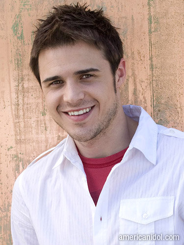 Picture of American Idol Kris Allen Short Hairstyle